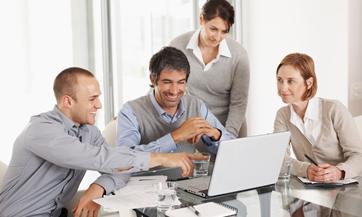 Un equipo de transición te apoyará e impulsará el cambio al interior de la organización, funcionando así como un puente de comunicación entre jefes y subordinados.