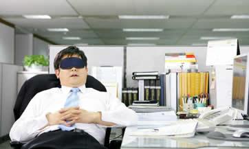 Evita poner tu información fiscal en riesgo al contratar personas que no conoces.
